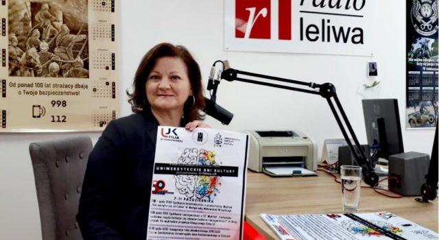 M.Makowska promująca uniwersyteckie dni kultury na antenie radia leliwa
