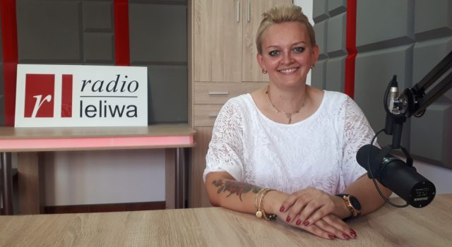 mgr Joanna Zając w studiu radia leliwa