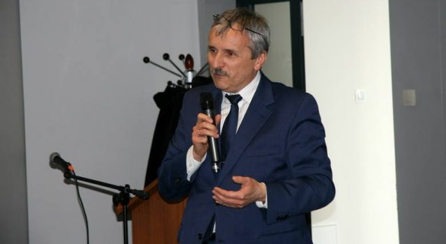 Dziekan dr hab. Piotr Sobolewski, prof. UJK