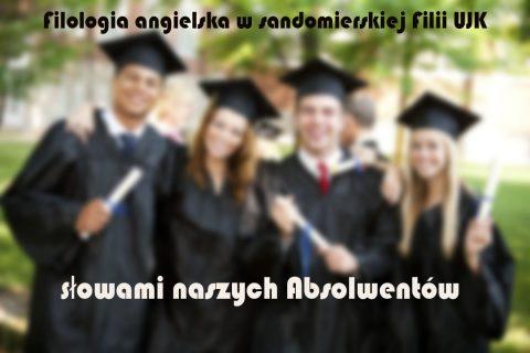 """Czworo absolwentów z dyplomami z napisem """"filologia angielska filli UJK słowami naszych absolwentów"""""""